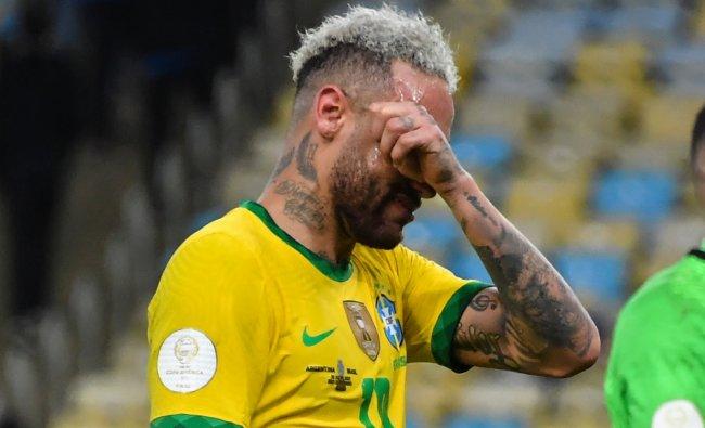 Neymar burst into tears 11