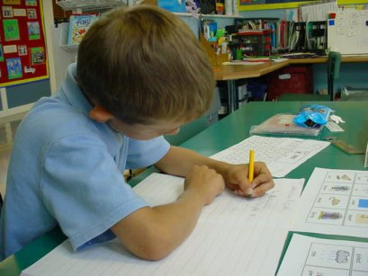 child-writing-l