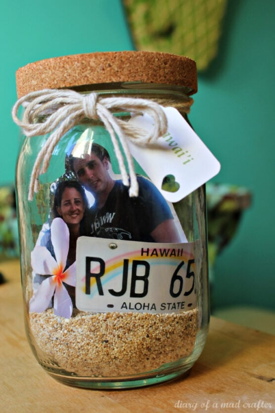 A picture inside a memory gift jar