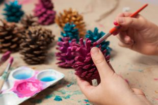 81 Christmas Crafts to Make and Sell