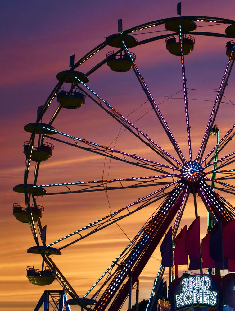 12 Awesome big wheel for your iphone - Summer Fun fair Wallpapers To Style Phone This Summer - Pastel big wheel iPhone wallpaper #wallpapers #bigwheel #funfair #iphonewallpaper