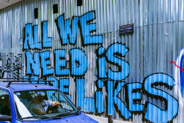 Twitter-all-we-need-is-likes