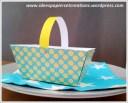panier pour Paques en papier bleu et jaune