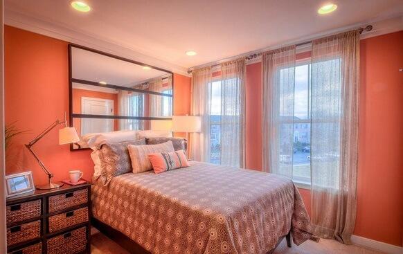 dormitor portocaliu casa