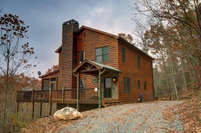 poza cabana din lemn
