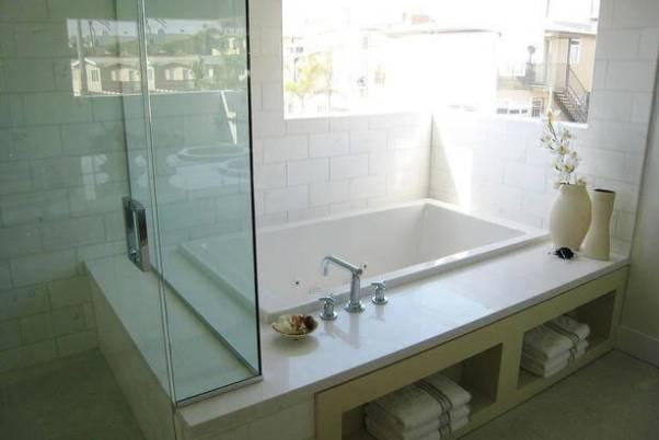 baie alba moderna