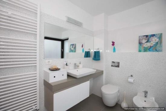 poza baie apartament modern