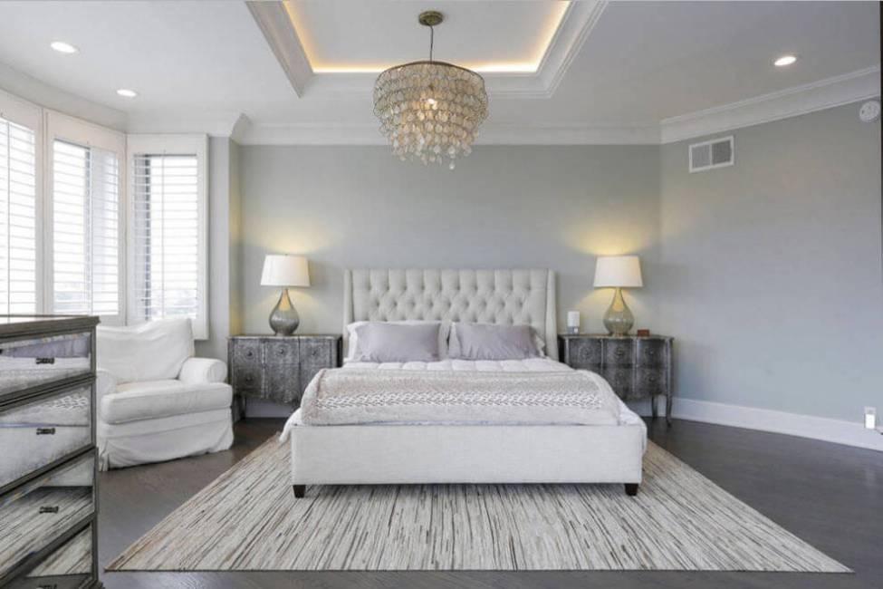 dormitor alb si gri cu safa din rigips