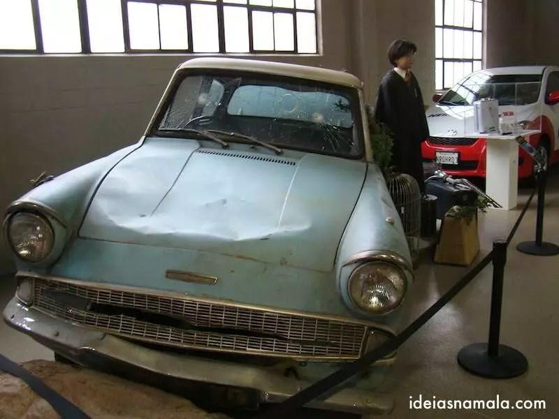 Harry Potter: Ford Anglia 105 E | Museu Warner
