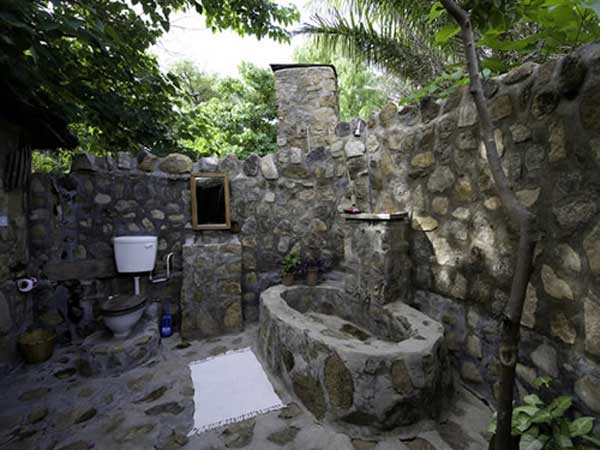 stone-bathtub-design-ideas-22