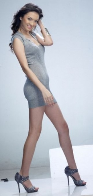 27 Gaya Fashion Raline Shah (22)