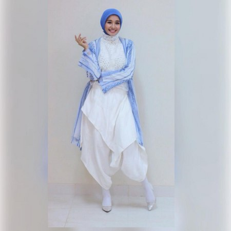 Inspirasi dari Busana Hijab Laudya Cynthia Bella (5)