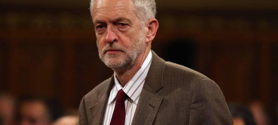 """Corbyn refuse de qualifier Soleimani de """"terroriste"""", les futures frappes américaines seraient des """"crimes de guerre""""."""