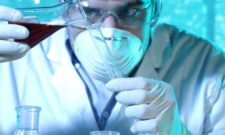Coronavirus: course contre la montre des scientifiques pour un vaccin en Israël