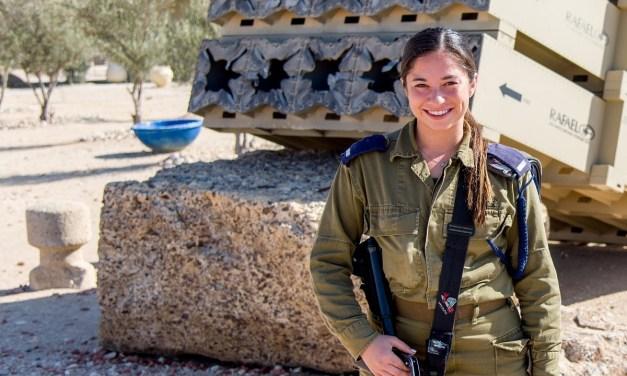 D'une étudiante américaine à une lieutenant de Tsahal: Le  parcours du lieutenant Sophie