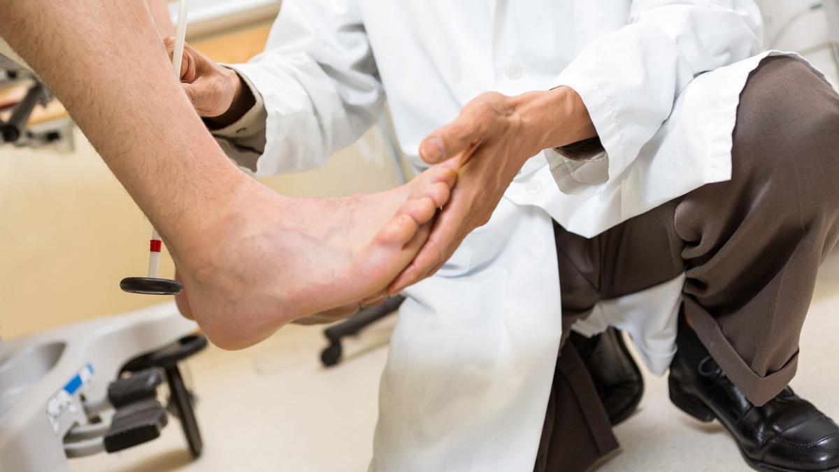 Почернел мизинец. Почернели пальцы на ногах: что делать, причины и лечение. Обморожение нижних конечностей