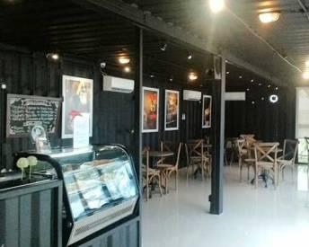 Kafenine Coffee Shop ~ Nikmatnya Ngopi di Dalam Container