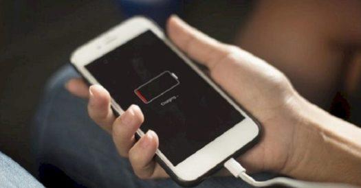 Cara Charge iPhone Yang Benar