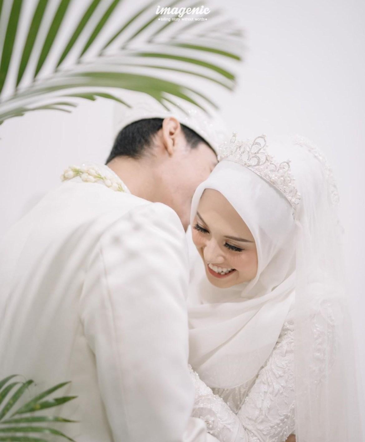 Contoh Busana Pernikahan Islami terbaru