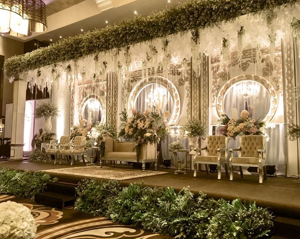 Dekorasi Pelaminan Klasik Untuk Pernikahan Anda
