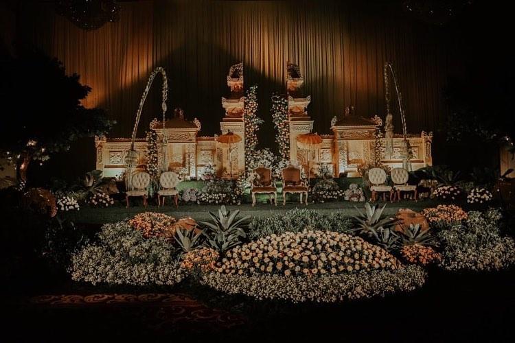 Ide Dekorasi Pelaminan Bernuansa Festival