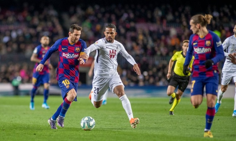 Yangel Herrera vs Lionel Messi