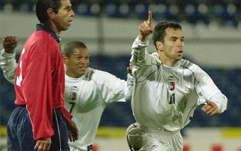 Venezuela en su triunfo sobre Chile 2-0 por el premundial 2002.