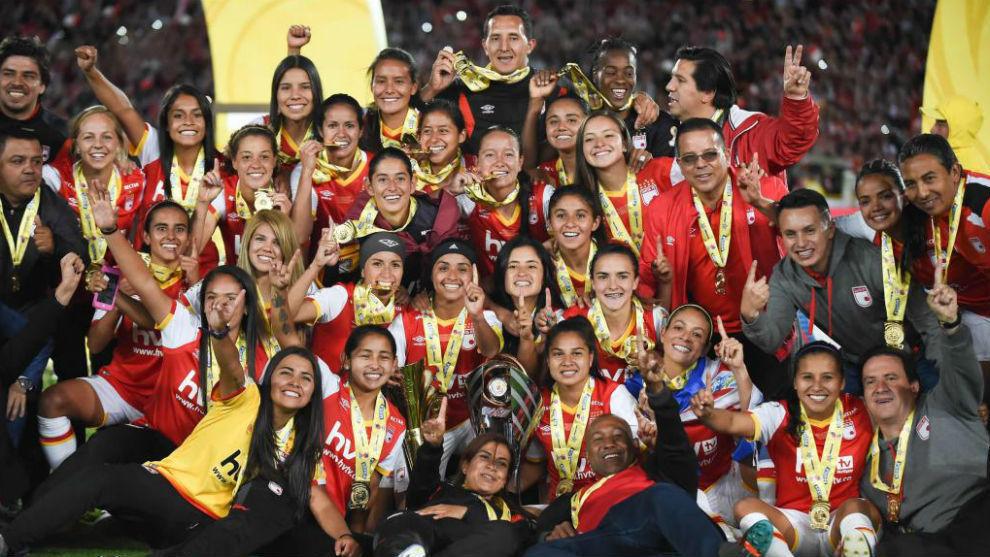 El festejo de las campeonas.
