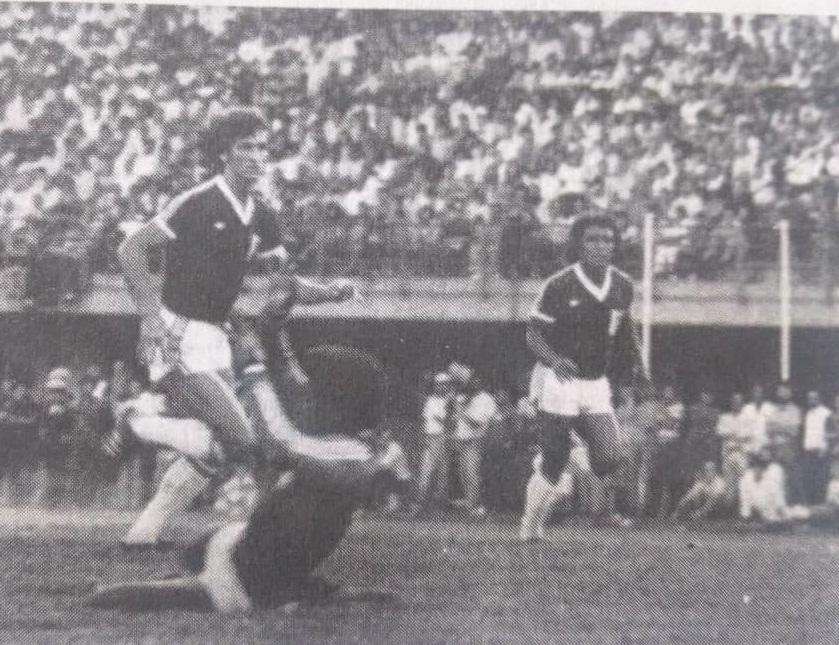 Pedro Acosta en un lance del partido.