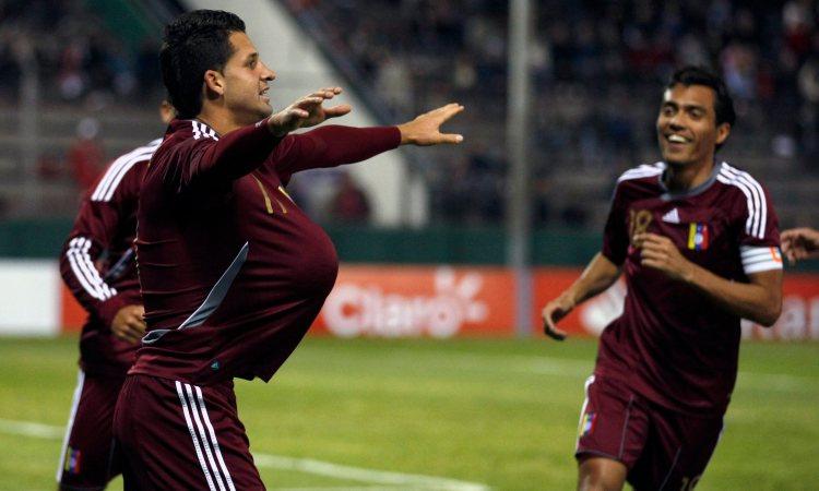 """César """"Maestrico"""" González en la victoria 1-0 sobre Ecuador de 2011"""