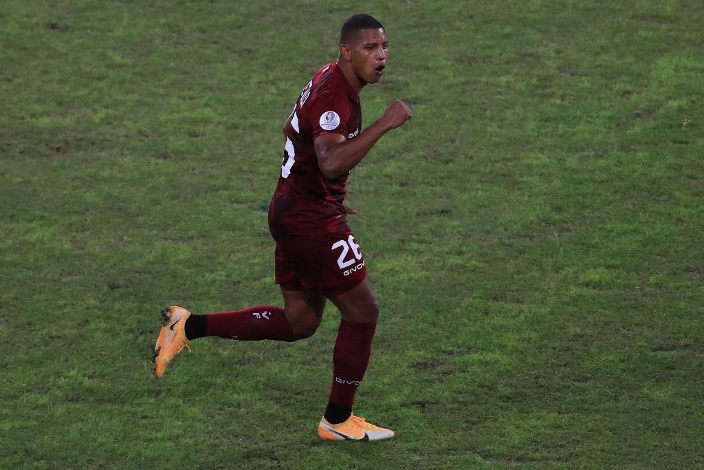 Edson Castillo, autor de un gol y una asistencia para Venezuela en la Copa América