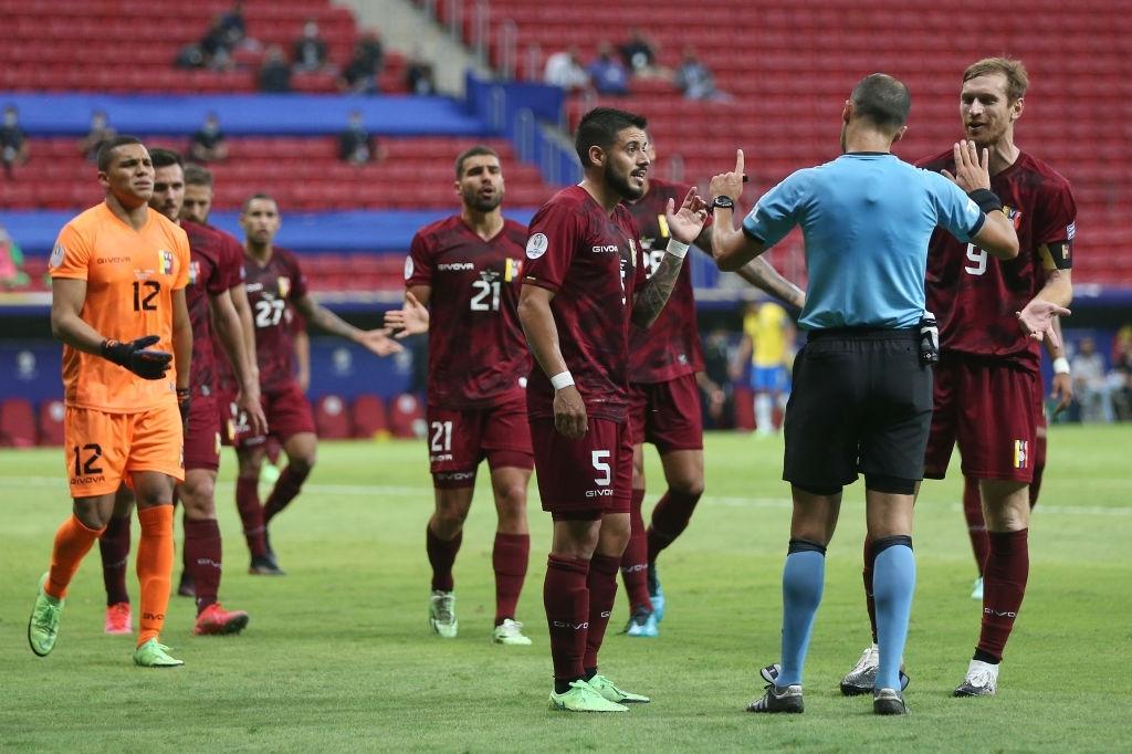 Pese a las bajas, Venezuela combatió con todo ante Brasil en el comienzo de la Copa América