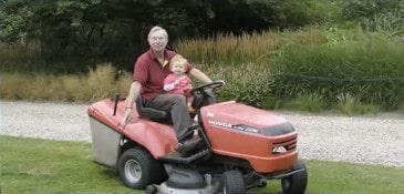 Aula de inglês - cortando gramado