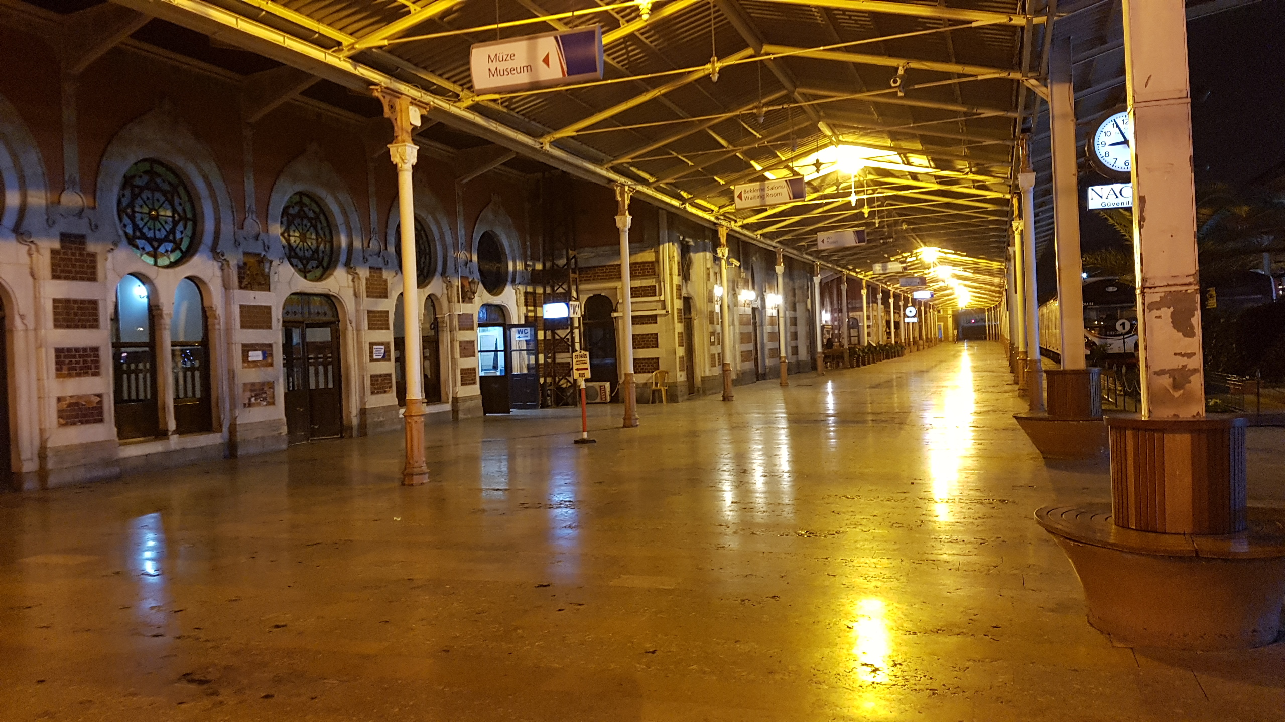 Inside Sirkeci. The non-station station