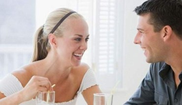 """8 Τρόποι που ο σύζυγος σου """"υπονοεί"""" πως σε αγαπάει!"""