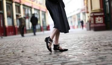 Lace up shoes: Η νέα μανία στο street style