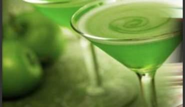 Sour-Apple-Martini_b2