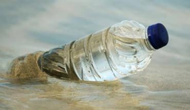 θάλασσα είναι μολυσμένη