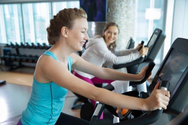 7877310 mujeres corriendo en la cinta de correr 1262 419 1479725406 650 32e9147584 1480342480