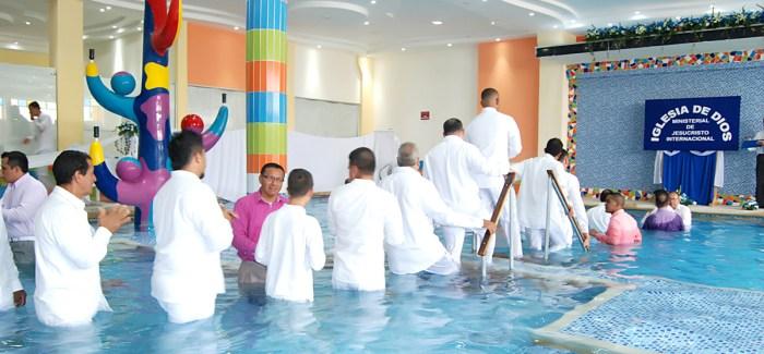 Fotos de los bautismos en agua en Palmira, Valle (Colombia) – 5 de Agosto de 2017