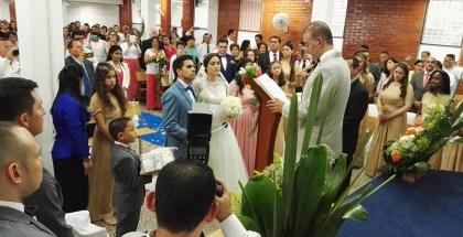 Fotos del matrimonio en Yumbo, Valle (Colombia) celebrado por el hermano Carlos Alberto Baena