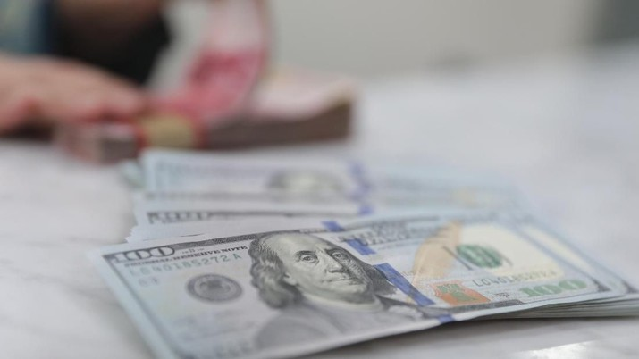 Dolar Naik Tipis Sebab Rumor Perdagangan Mendekati Rapat FOMC