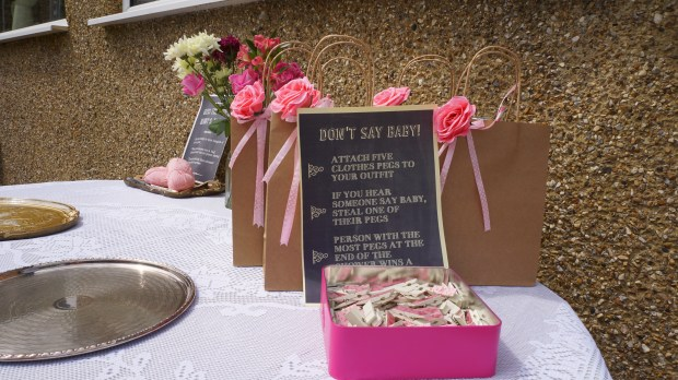 dont say baby game Baby shower decoration ideas