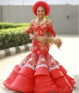 SEE SWEET LOVE!!! THESE AMAZING OUTFITS FOR TRADITIONAL MARRIAGES WILL MAKE YOU MOVE YOUR WEDDING DATE!  bellanaijaweddings linda ejiofor 256x300