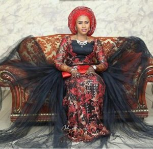 SEE SWEET LOVE!!! THESE AMAZING OUTFITS FOR TRADITIONAL MARRIAGES WILL MAKE YOU MOVE YOUR WEDDING DATE! hausawedding 300x293