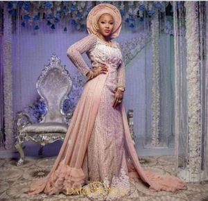 SEE SWEET LOVE!!! THESE AMAZING OUTFITS FOR TRADITIONAL MARRIAGES WILL MAKE YOU MOVE YOUR WEDDING DATE! hausaweddingb 300x290