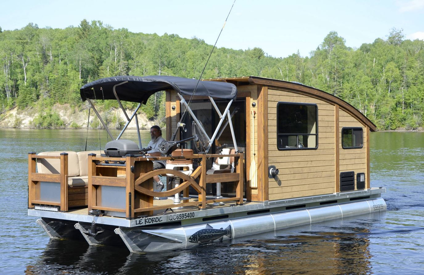 Types of Tiny Houses - Houseboat
