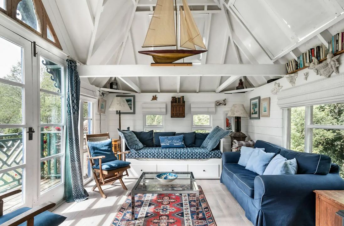 Tiny house airbnb England
