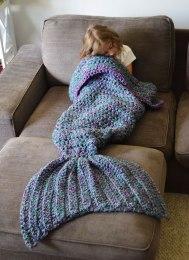 crocheted-mermaid-tail-blankets-melanie-campbell-3