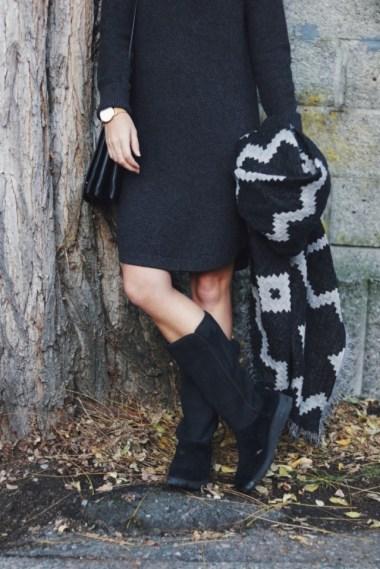 sweater-dress-with-black-ugg-boots-bmodish